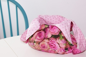 Bolso reversible flores
