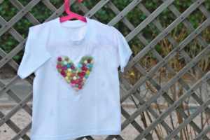 Camiseta decorada con pompones